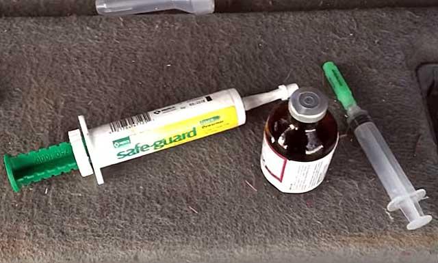 Приспособления для введения медикаментов