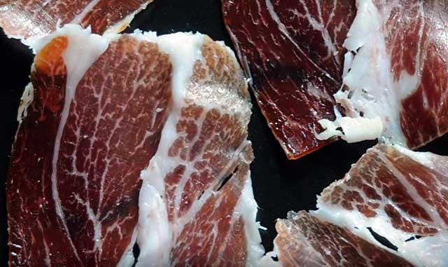 Мясо животных имеет мраморную структуру